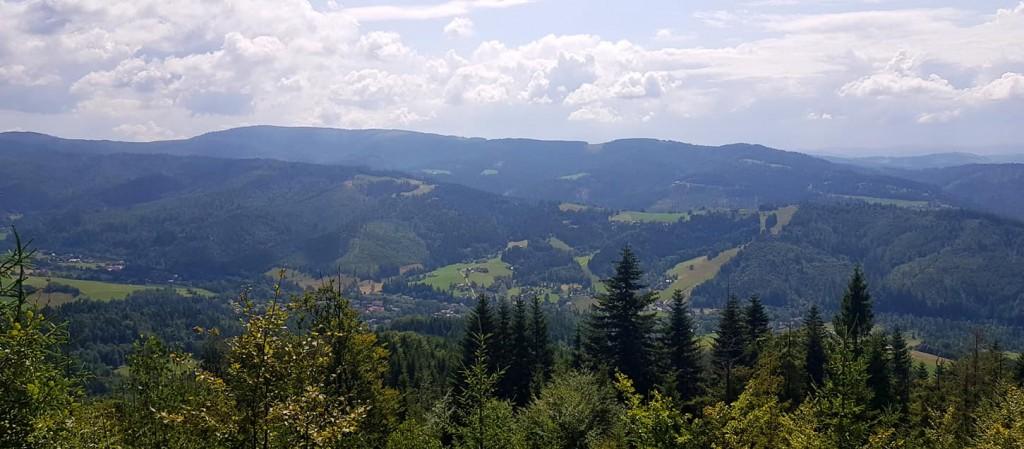 Widok z góry Czupel w Beskidzie Śląskim